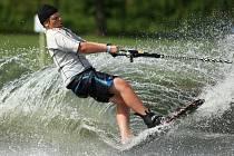 Nádrž Horka brázdí vodní lyžaři i wakeboardisté.