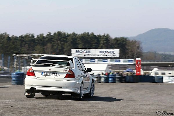 Ouplynulém víkendu proběhlo vyvrcholení MOGUL driving cupu, série závodů pro amatérské závodníky na autodromu vSosnové.