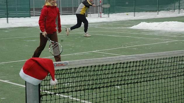 V Okrouhlé se hrál na Silvestra tenis