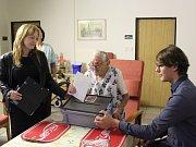 V novoborském stacionáři odvolila nejstarší obyvatelka Českolipska Anna Hejná, která v létě oslavila 103. narozeniny
