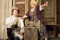 Inscenace Generálka, kterou uvede českolipské Jiráskovo divadlo 8. prosince, je hereckým koncertem Jiřiny Bohdalové v roli Josefiny a Radka Holuba jako Napoleona.