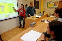 Den otevřených dveří proběhl v prostorách mimoňského gymnázia.