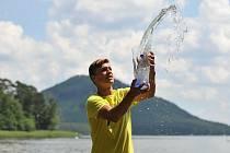 Vítězem turnaje mužů Macha Lake Open 2020 by Crystalex – Trofej solidarity a naděje ČTS by MONETA se stal Jonáš Forejtek, kterému ve finále kvůli zranění nohy vzdal Lukáš Rosol.
