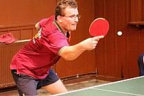 Vítězem okresního přeboru stolních tenistů se stal Radek Ivan z Nového Boru.