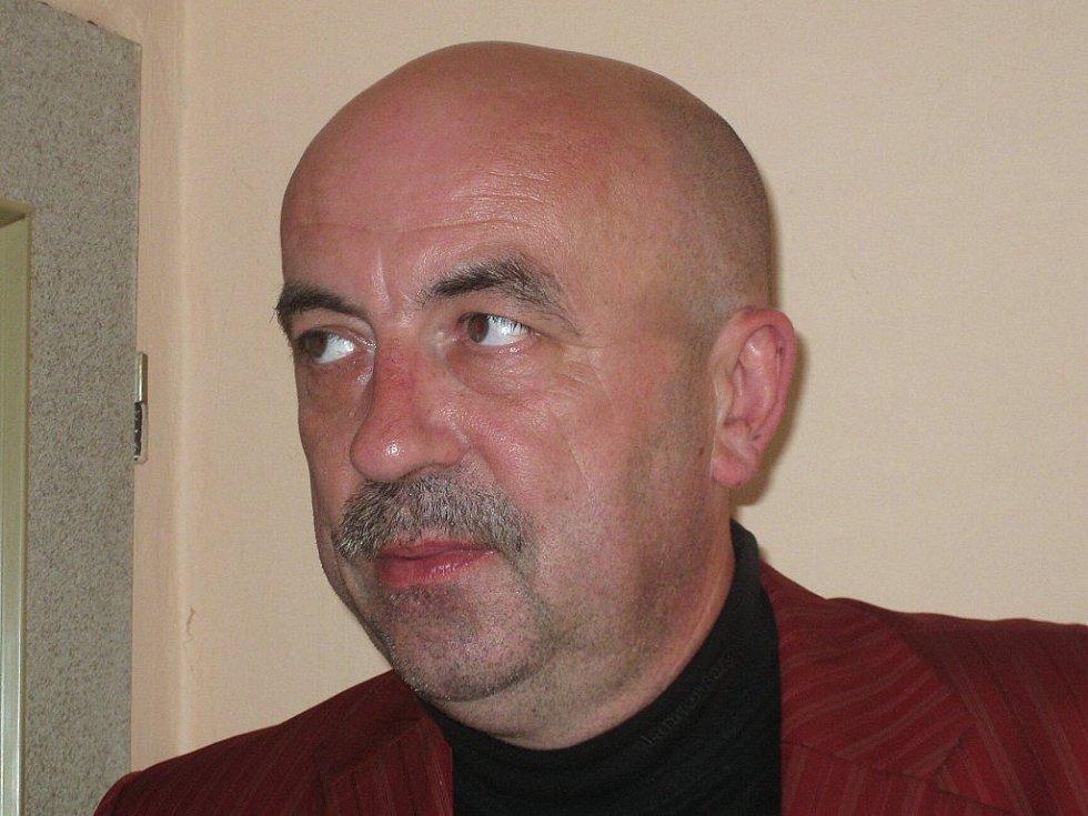 Starosta Kravař Vít Vomáčka.