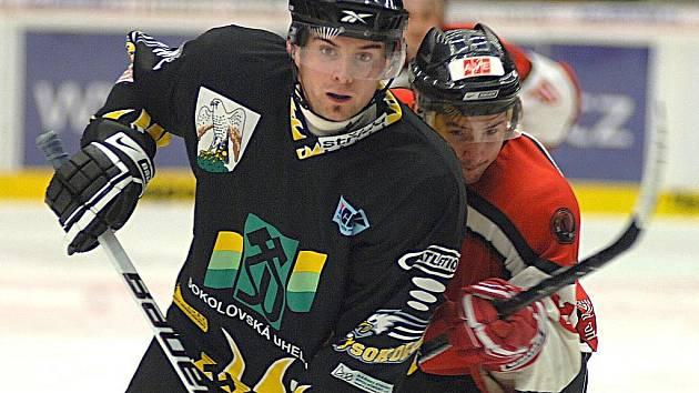 Hokejisté České Lípy porazili v Karlových Varech po samostatných nájezdech domácí Sokolov poměrem 7:6, přestože po I. třetině prohrávali už 0:4.