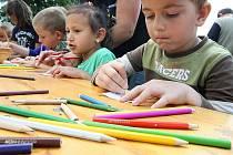 Den dětí v Mimoni se nesl v květinovém duchu.
