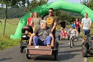 Čtvrtý ročník závodu okolo Kalu v Kravařích se konal v neděli odpoledne na části Liščí stezky.