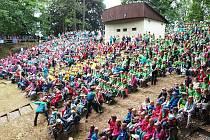 Zahájení jedenácté Olympiády dětí a mládeže v Novém Boru se neslo v autentickém duchu.