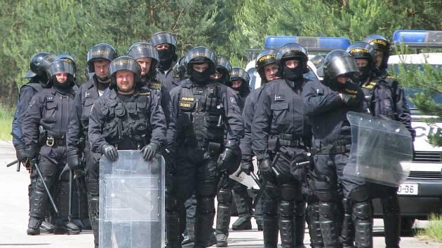 Na Dni s policií se na autodromu představí i těžkooděnci z řad pořádkových jednotek.