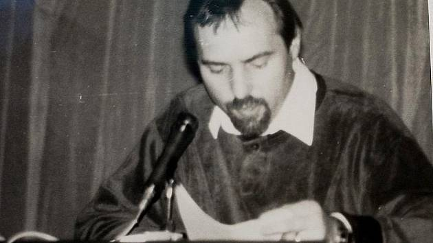 Mluvčím OF byl Miroslav Hudec.