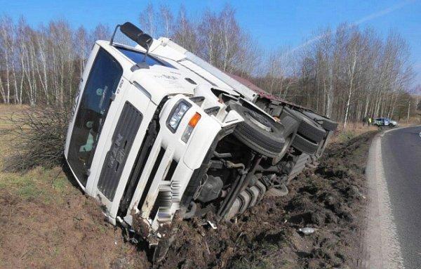 Pondělní nehoda kamionu uJablonného.