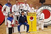 Sedmičlenná výprava českolipského klubu Sport Relax bojovala uplynulou sobotu na Mistrovství ČR JKA ve sportovním centru Nymburk.
