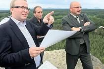Hradčanskou vyhlídku při své pracovní cestě navštívil ministr životního prostředí Tomáš Chalupa.