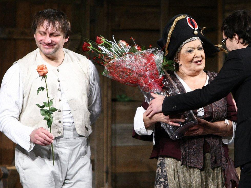 Jiřina Bohdalová a Radek Holub v českolipském Jiráskově divadle.