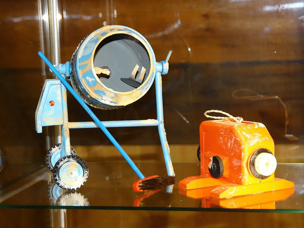 Výstava Jak se rodí Večerníčky je po celé léto k vidění v Městském muzeu v Mimoni.