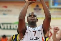 OPORA. Jedním z lídrů Nového Jičína je třicetiletý americký křídelník Lavor Postell, který si zahrál za New York Knicks a Utah Jazz NBA.