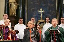 Česká Lípa se stane jedním ze zastavení společného evropského turné rezidenčního souboru Schola Gregoriana Pragensis a japonského souboru Gjosan-rjú Tendai Šómjó.