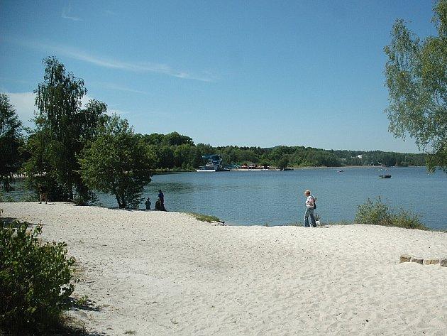 Tradiční otvírání Máchova jezera, jímž se zahajuje letní turistická sezona, proběhne 21. května.