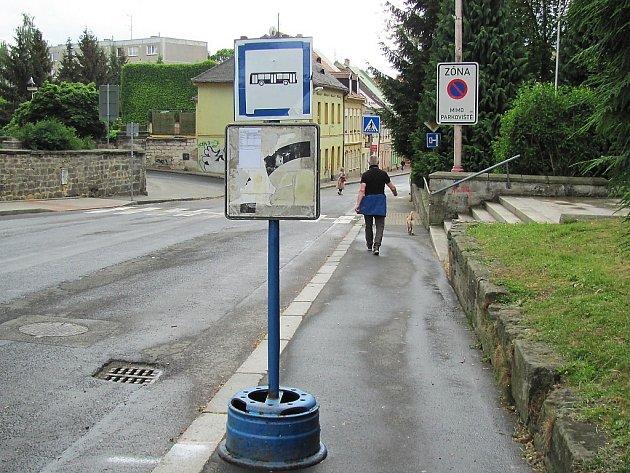 V rámci trasy vznikly tři nové zastávky, dvě v Mariánské ulici (na snímku), jedna v Okružní.