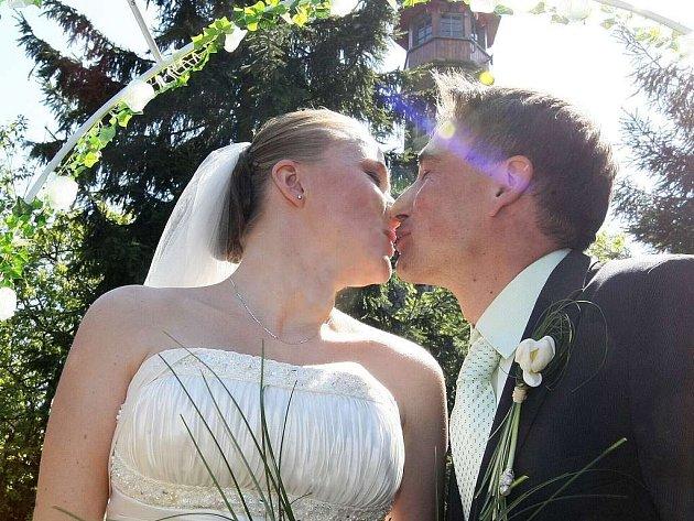 Svatby v květnu jsou ve většině měst běžné.