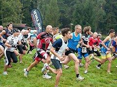 Závodníci na startu duatlonového závodu v Kytlicích.
