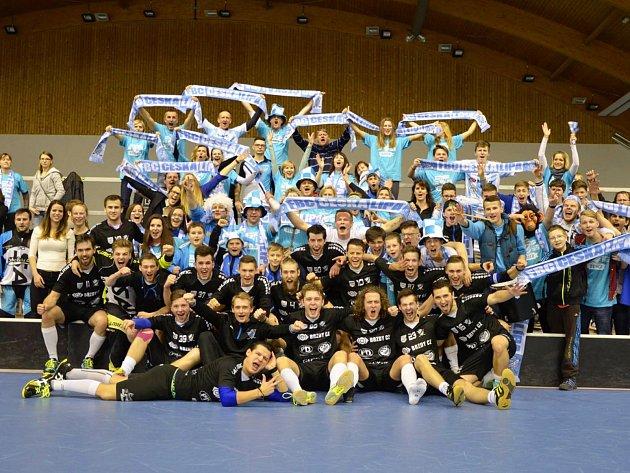 Prvoligoví florbalisté českolipského klubu FBC Brzdy CZ si v sobotu zajistili postup do další fáze play off.