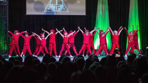 Českolipská taneční skupina Tutti Frutti pořádá ve středu v kulturním domě Crystal svoji taneční show.