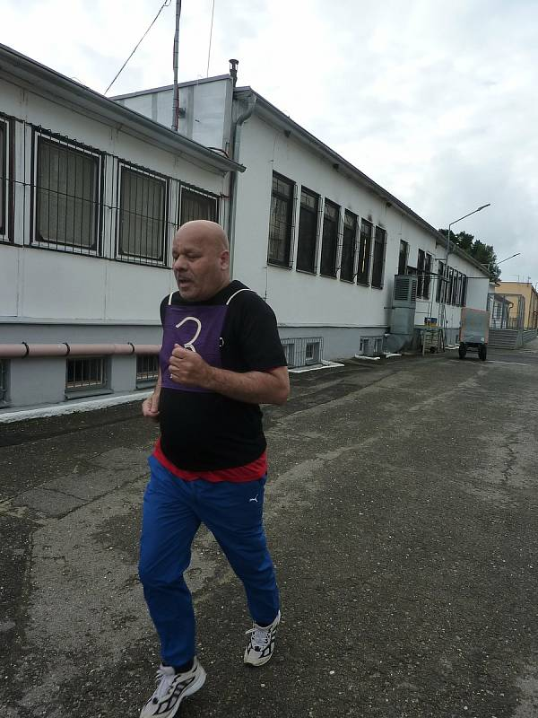 Vězni ve Stráži pod Ralskem běhali proti předsudkům.