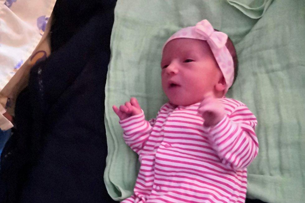 Mamince Evě Chroustové Jeronýmové z Libochovic se v sobotu 12. prosince v 5:05 hodin narodila dcera Jana Chroustová. Měřila 48 cm a vážila 2,72 kg.