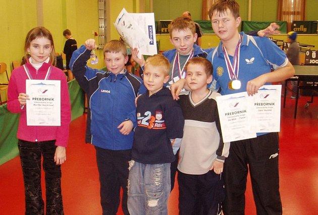 Mladí stolní tenisté Lokomotivy.