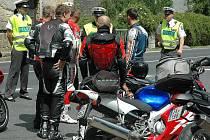 Jedna z policejních kontrol v Deštné zaměřená na motorkáře.