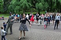 Tančírna v městském parku nadchla.