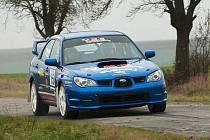 Martin Kouřil za volantem vozu Subaru Impreza při své životní premiéře v závodě Rallye Střela Kralovice.