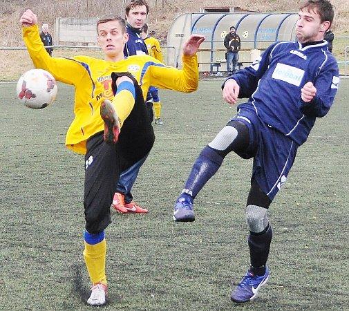 Prvním soupeřem fotbalistů Doks vzimní přípravě byla juniorka Varnsdorfu, kterou posílilo několik divizních hráčů Nového Boru.