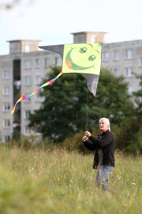Pouštění draků patří i na Českolipsku k oblíbené podzimní zábavě.