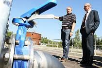 Do ročního zkušebního období slavnostně spustili rekonstruovanou čistírnu odpadních vod v Novém Boru. Zařízení zpracuje odpadní vody z celého města a v plánu je připojení dalších obcí.