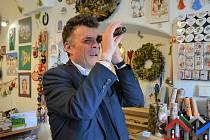 První místopředseda parlamentní strany TOP 09 a senátor Tomáš Czernin přijel ve čtvrtek do České Lípy.