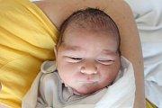 Rodičům Petře Blažkové a Jakubu Červenákovi z Rumburku se v neděli 31. března v 9:52 hodin narodil syn Jakub Blažek. Vážil 3,45 kg.
