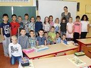 Žáci 1. A ze ZŠ 28. října Česká Lípa s paní učitelkou Martou Pilařovou.