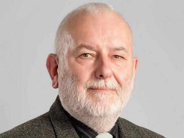 Ze soboty na neděli nečekaně a bez rozloučení zemřel v nedožitých 59 letech zkušený lékař MUDr. Vratislav Škoda.