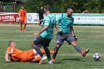 Sosnová (modré dresy) doma porazila Spartak Dubice 5:2.
