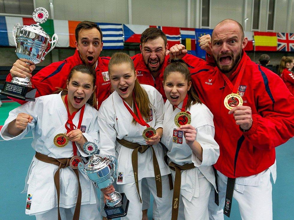 Pětice českolipských karatistů z oddílu Shobu Academy se o víkendu zúčastnila ME v karate JKA v Nizozemsku.