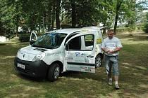 Díky stejnému projektu získali v roce 2011 sociální automobil například v Mimoni.