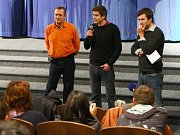 Režisér Jan Gebert (uprostřed).