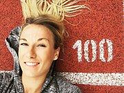 Když atletka Barbora Procházková není na trati ráda tráví volný čas se svou rodinou a svým přítelem.