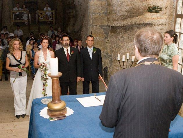 Svatba v kalpli sklaniho hradu Sloup