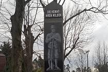 Jádrem výstavního projektu je vybraná dokumentace dochovaných i nedochovaných památníků padlých z první světové války na Českolipsku.