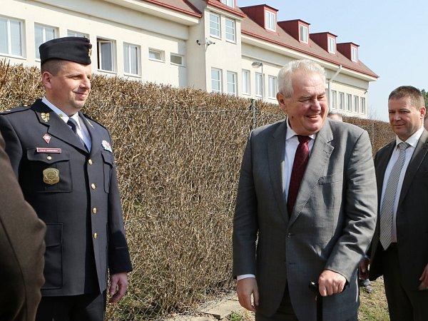 Akademii Vězeňské služby ve Stráži pod Ralskem navštívil ve středu prezident Miloš Zeman.