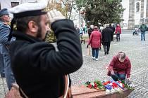 Každoroční pietní akt k uctění památky padlých vojáků se v pondělí konal na náměstí Osvobození v České Lípě.